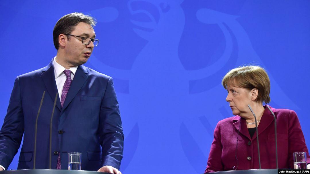 Vučić and Merkel during media conference